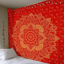 grande tenture murale rouge