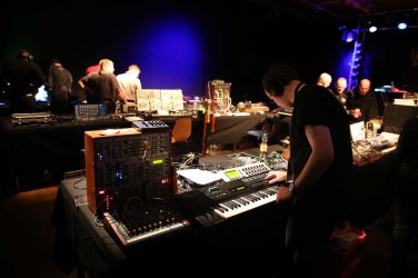 Dinosaurier_Synthesizer0233