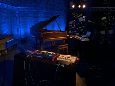 Roedelius_live_gear769