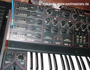 crumar ds2 synthesizer