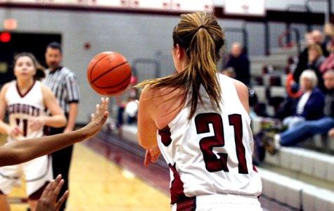 Girls Basketball Easily Defeats Amundsen