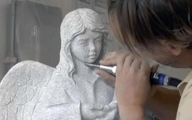 Kindergrabstein gestalten - 10 stilvolle Ideen für Kindergrabmale