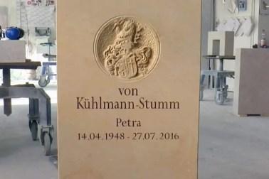 Video: Besonderer Grabstein mit Wappen - Sonderanfertigung auf Kundenwunsch