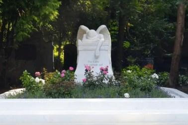 Video: Große Grabanlage aus weißem Marmor - Kundenstory