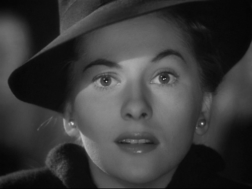 Joan Fontaine Photo Gallery