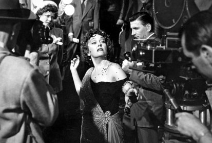 Gloria Swanson is ready for her close-up, Sunset Boulevard, 1950.