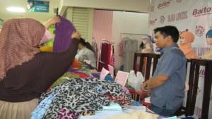 Hijab Store di Baltos Bandung.   Foto publikanews.com