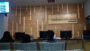 Suntik vaksin meningitis di KKP II Bandung