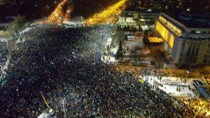 Proteste-in-fata-Guvernului-Romaniei-pe-1-februarie-2017-vedere-de-sus-FOTO-Virgin-Radio-Romania-1024x576