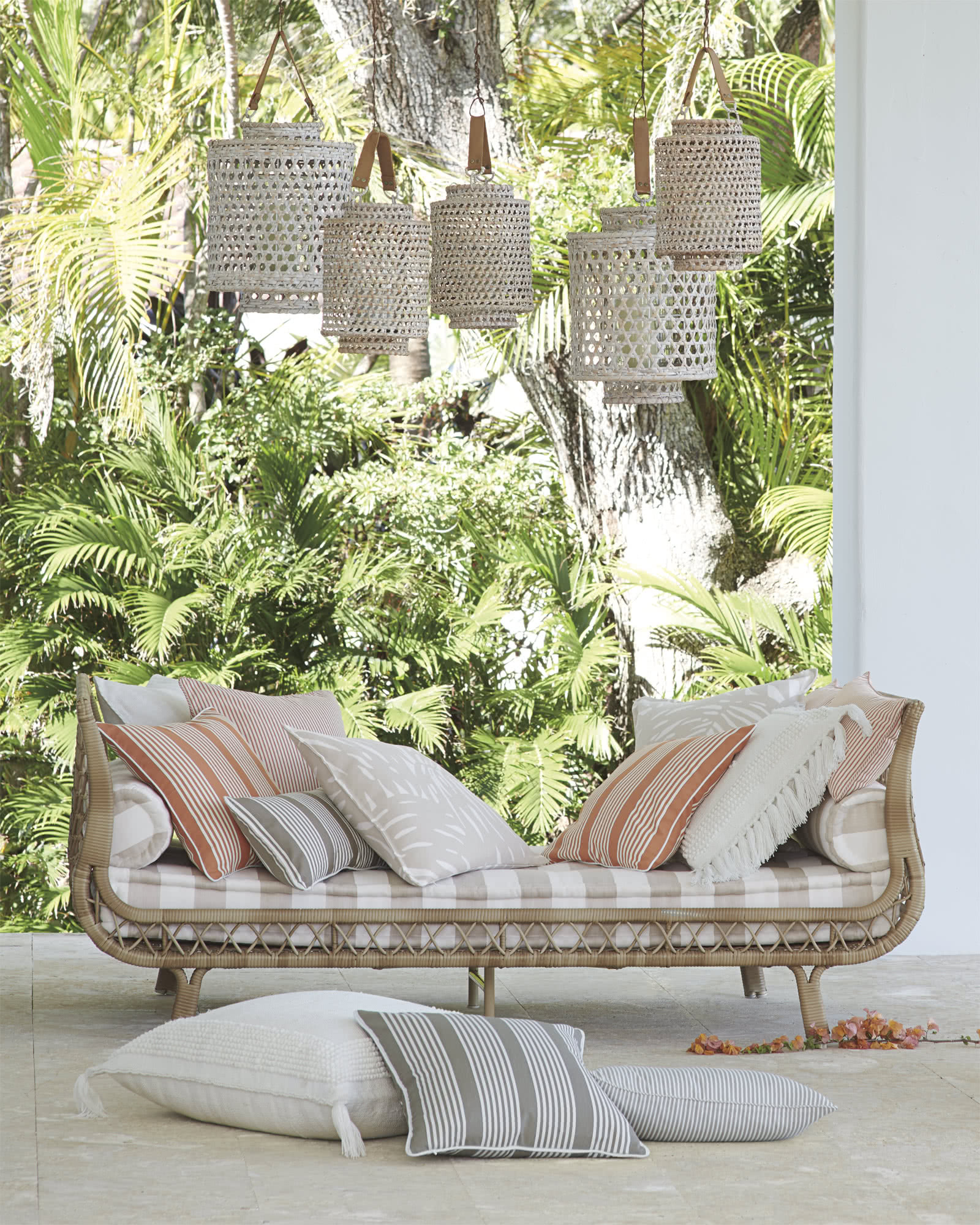 Capistrano Outdoor Daybed - Serena & Lily on Belham Living Lilianna Outdoor Daybed id=14974