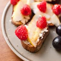 Berry Crostini