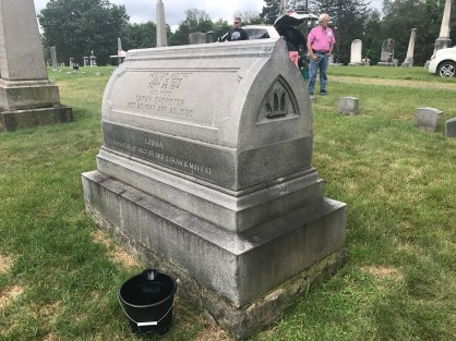 The side view of the stone during cleaning.