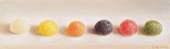 Tumtums op een rij, olieverf op paneel, 7 x 24 cm, Serge de Vries