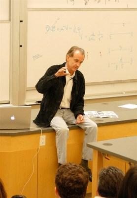 Edward Tfte durante una lezione in Università