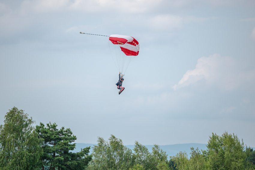 Skydiving in Punitz