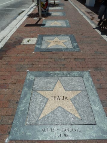 Walk of fame calle ocho