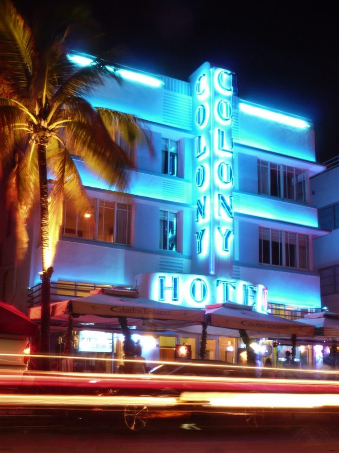 Que faire à Miami ? Visiter Le Colony Hotel sur Ocean Drive Avenue Miami Beach