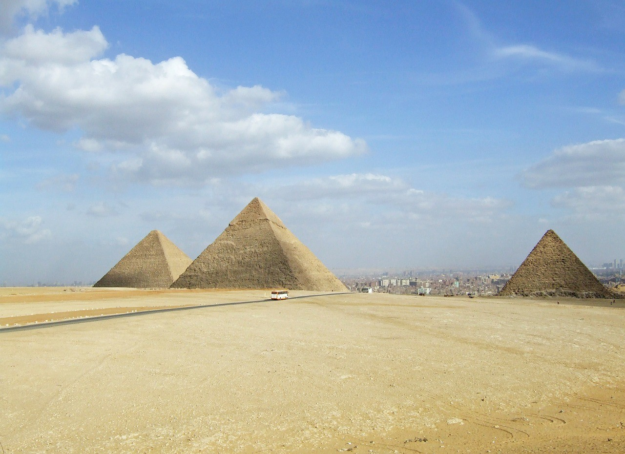 Pyramides Bucket List