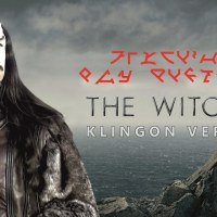 """Toss a Coin to Your Witcher"" auf klingonisch"