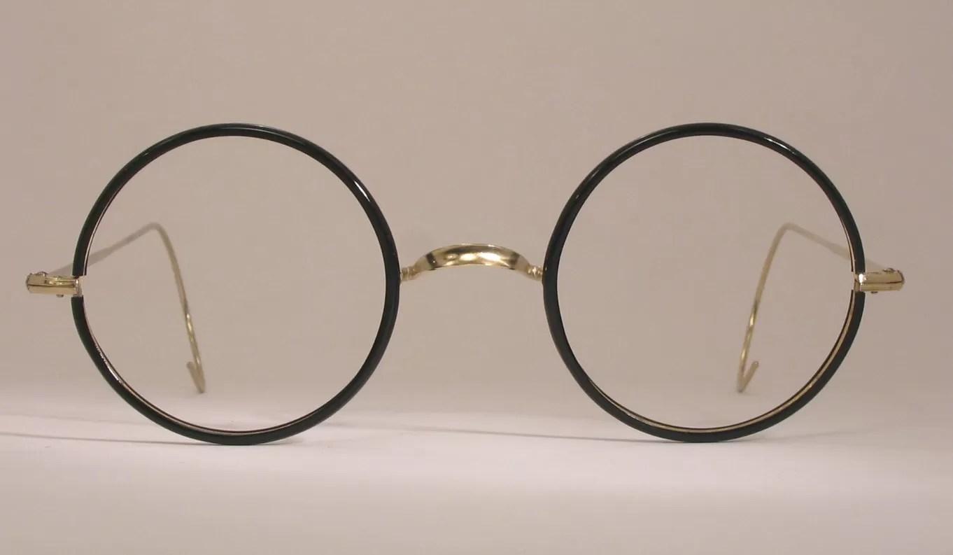 Benjamin Franklin Invented The Bifocals Eyeglasses In