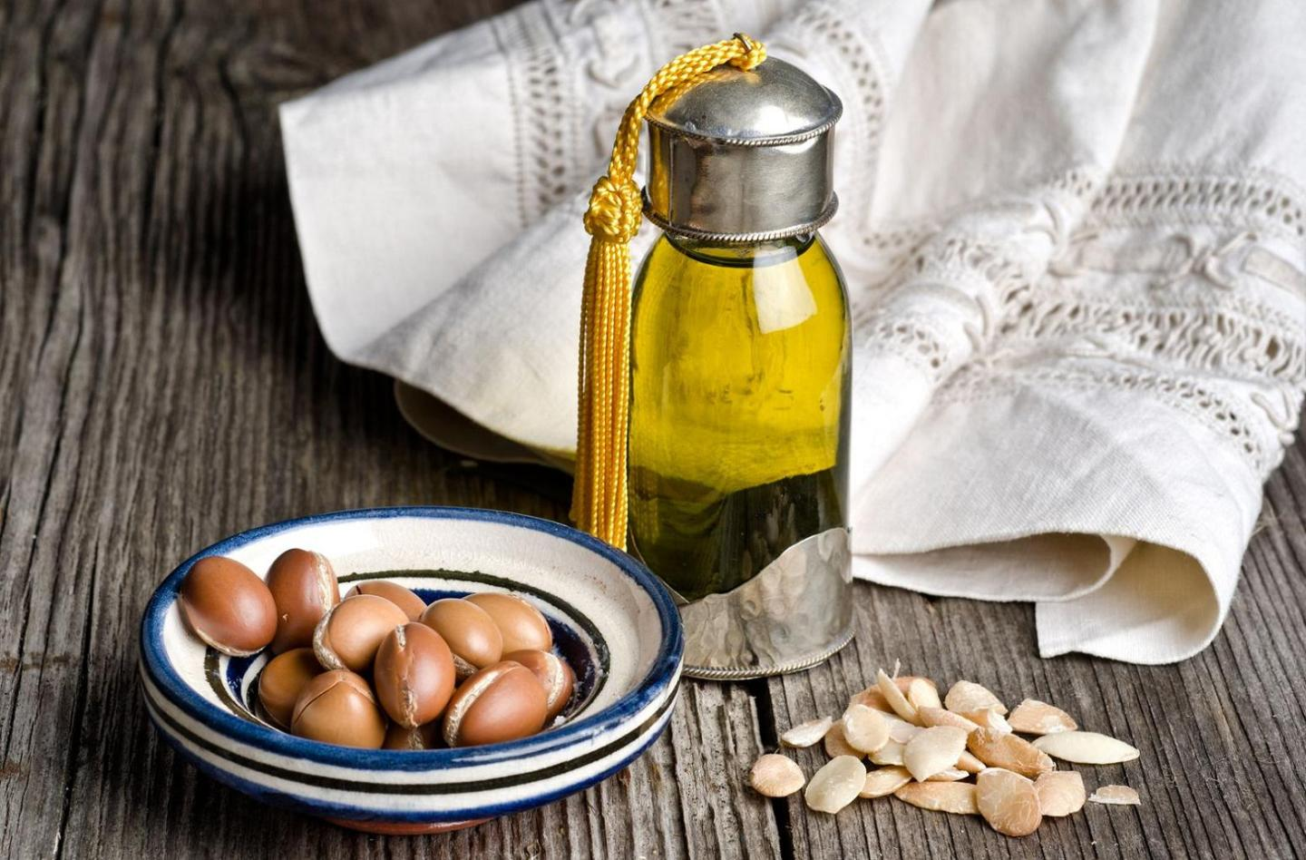 10 Argan Oil Hair Benefits You Didn't Know You Needed!