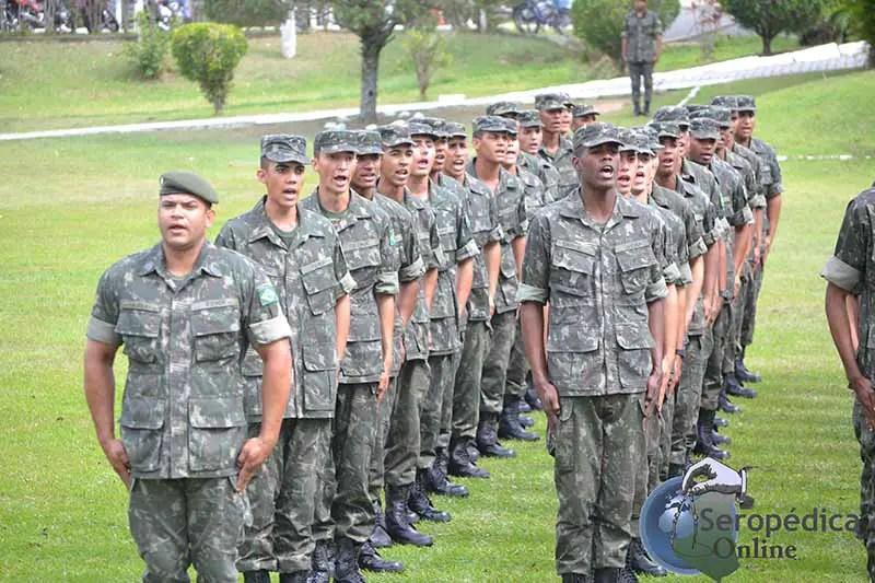 Recrutas do Agrupamento Bravo de Seropédica recebem Boina ... 34fad9ab409