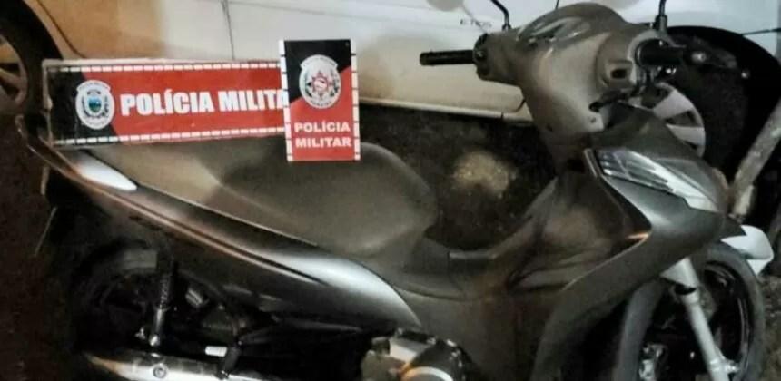 Polícia militar recupera motocicleta roubada em Pombal