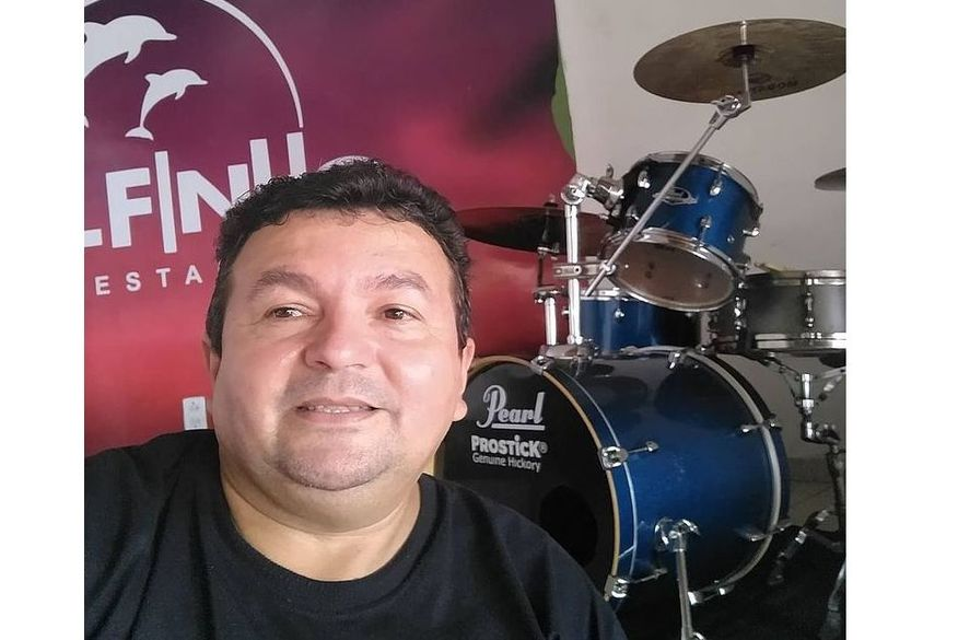 Condutor que morreu após ter veículo atingido por carro de luxo em João Pessoa era baterista da banda Tuaregs