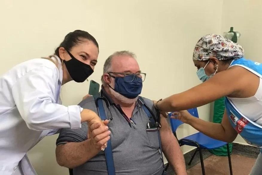 Morre de Covid-19 médico que recebeu dose da vacina contra o coronavírus em João Pessoa