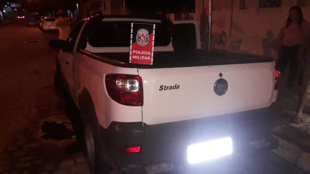 POLÍCIA MILITAR RECUPERA VEÍCULO ROUBADO EM POMBAL