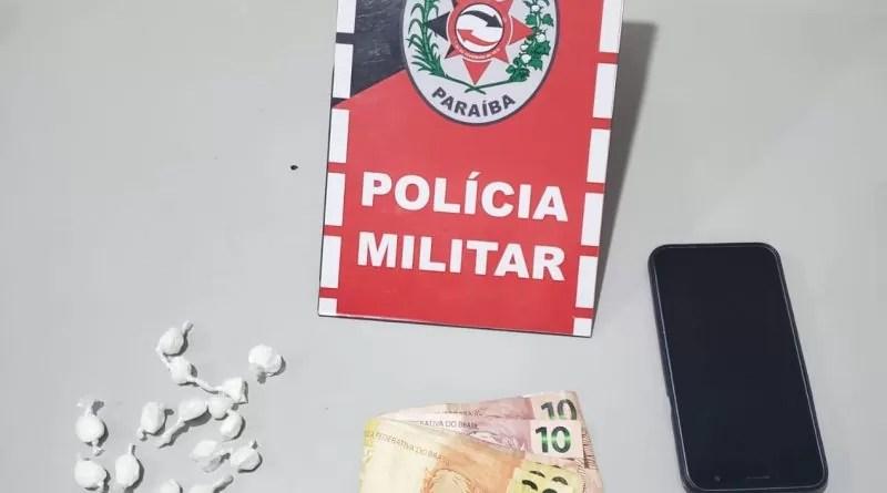PM apreende droga e prende suspeito de tráfico, em Jericó-PB