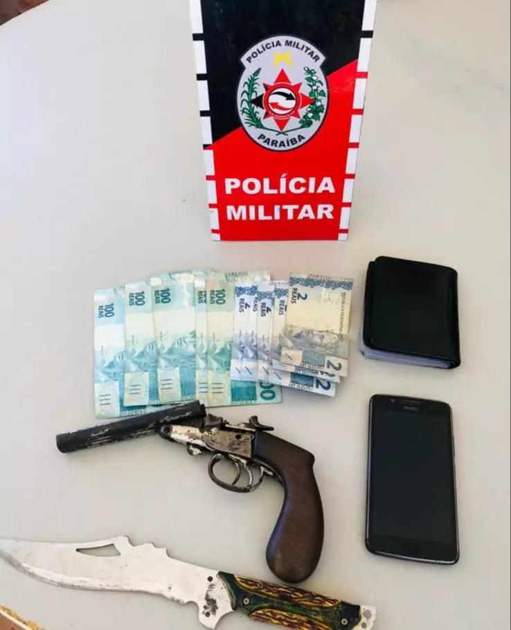 EM AÇÃO CONJUNTA, POLICIA MILITAR E CIVIL APREENDEM MENOR ACUSADO DE ROUBO, EM PATOS