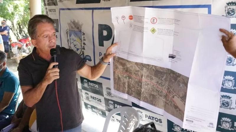 Prefeito Nabor Wanderley assina ordem de serviço para construção de uma escola no Campo Comprido