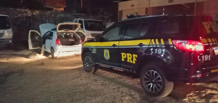 PRF prende dois homens suspeitos de praticar assalto a residência de comerciante no sertão paraibano