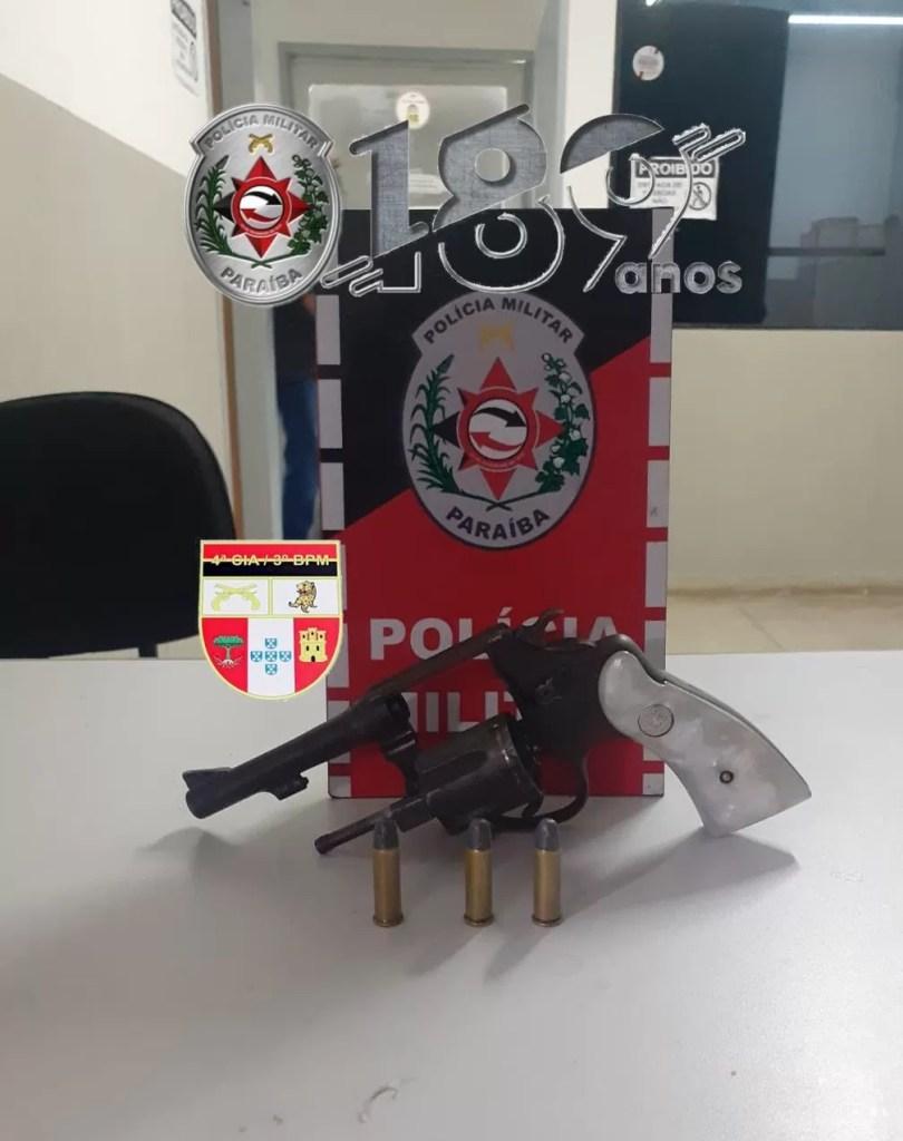POLICIA MILITAR APREENDE ARMA DE FOGO COM ADOLESCENTE NA CIDADE DE DESTERRO-PB