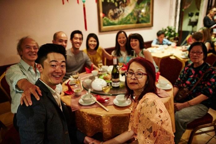 Keluarga jadi pertimbangan besar untuk putus. Gambar via: www.sbs.com.au