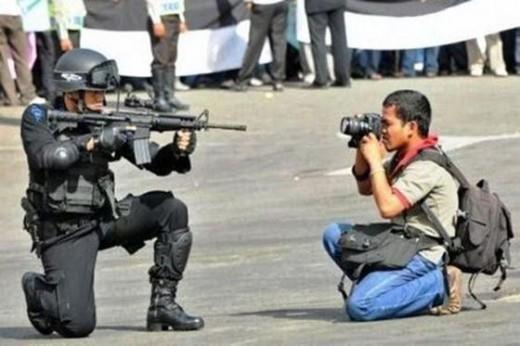 Fotographer mau ditembak