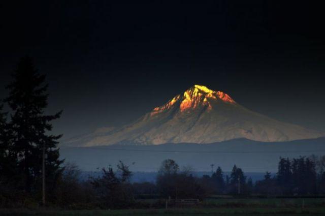 Gunung Menyala