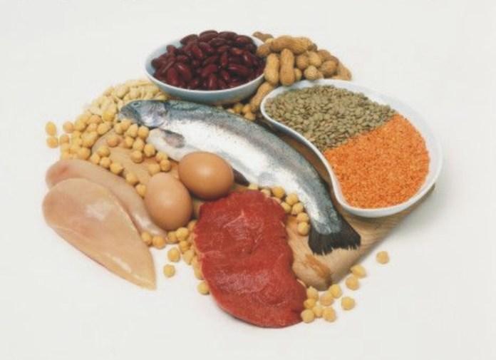 Konsumsi makanan kaya nutrisi untuk tampak muda