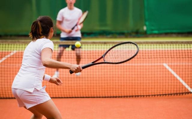 Olahraga mengecilkan perut dengan tennis
