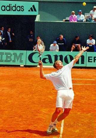 2000 Roland Garros Y. Kafelnikov playing doubles