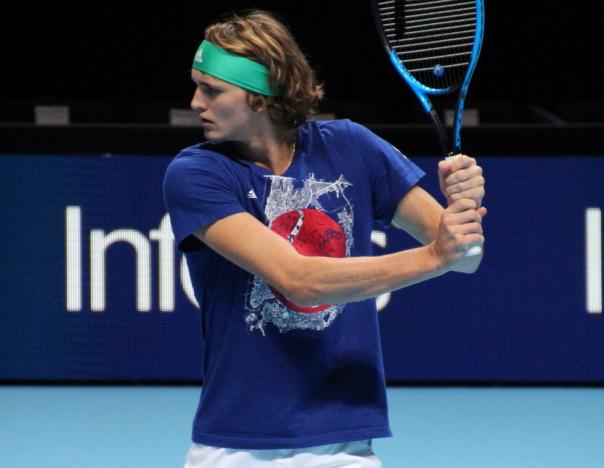 Challenge Zverev semifinals defeats Medvedev