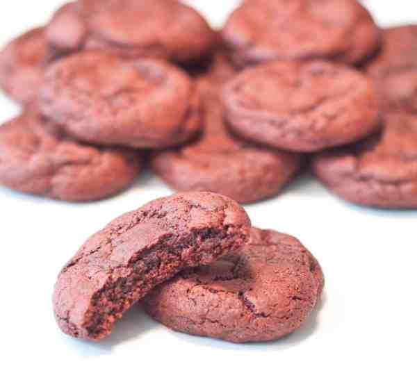 Super easy, super soft Red Velvet Cookies
