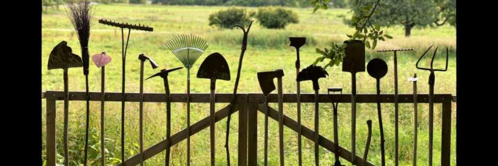 image outils jardinage