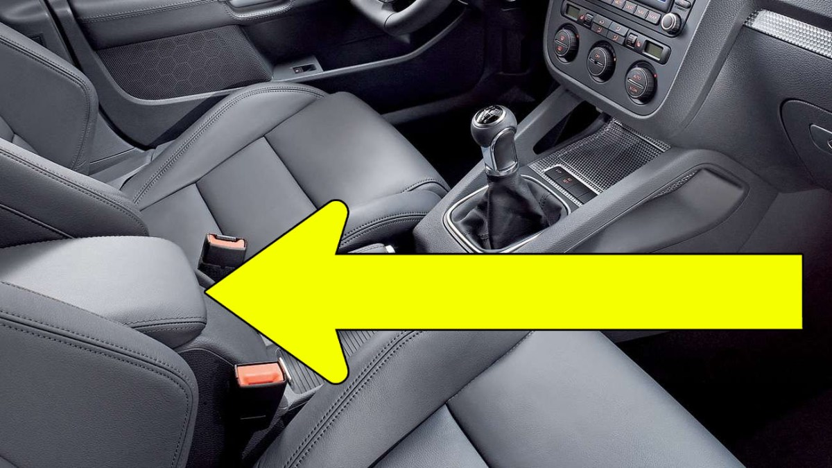 TUTORIAL: How to remove armrest on VW Golf Mk5, Jetta, Rabbit in 12 simple steps