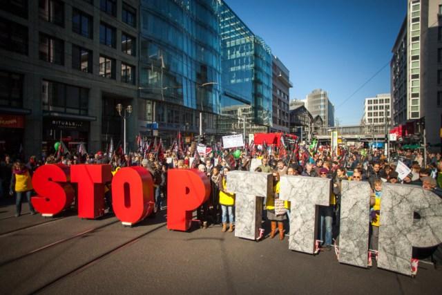 Diversas ciudades europeas fueron escenario de marchas contra la firma del TTIP con los Estados Unidos