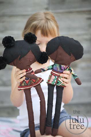 Lulu or Akiki doll