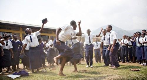 No 41 students dancing