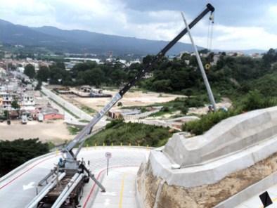Parado de postes bulevar Fátima Villa Nueva