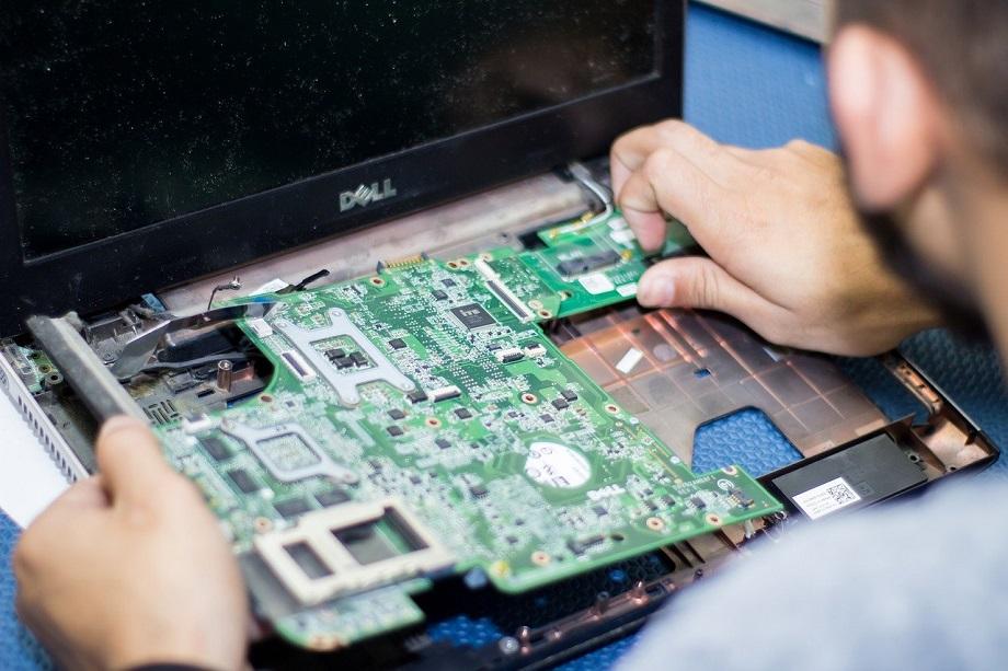 Reparatii laptopuri in Suceava